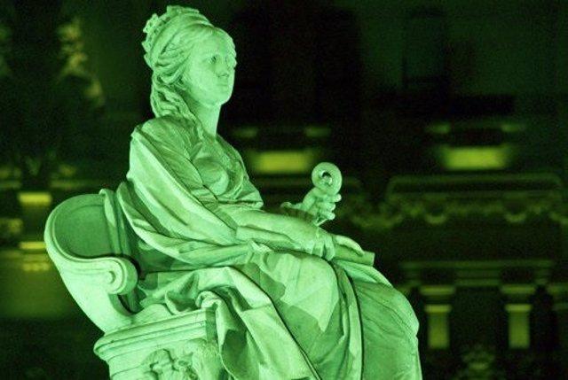 La Fuente de Cibeles, de verde
