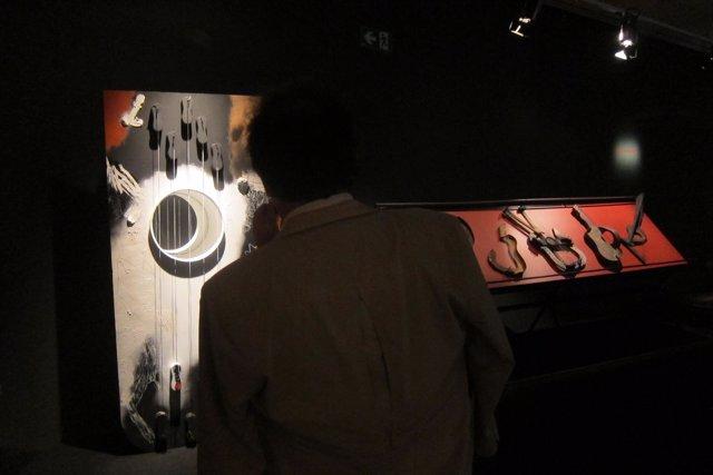 Exposición dedicada a Josep Guinovart en el Museu