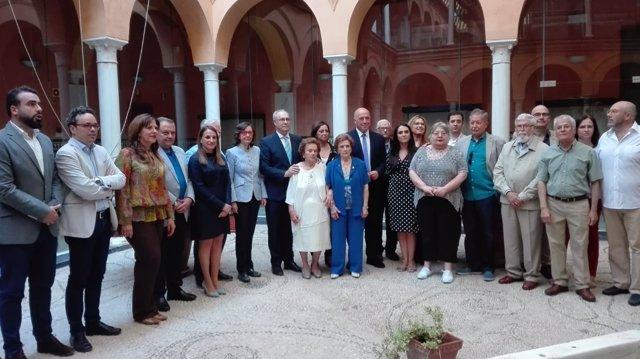 Las autoridades y representantes de las asociaciones memorialistas