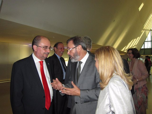 Javier Lambán junto al arquitecto Carlos Miret