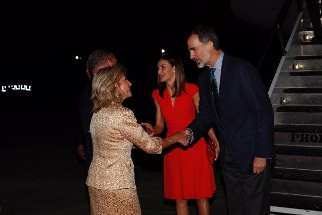 Sus Majestades los Reyes son recibidos por el Gobernador del Estado de Luisiana,
