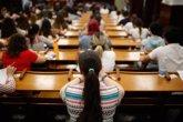 Foto: Dos alumnos, de San Blas y Moncloa, empatan al obtener un 9,975 en la EvAU