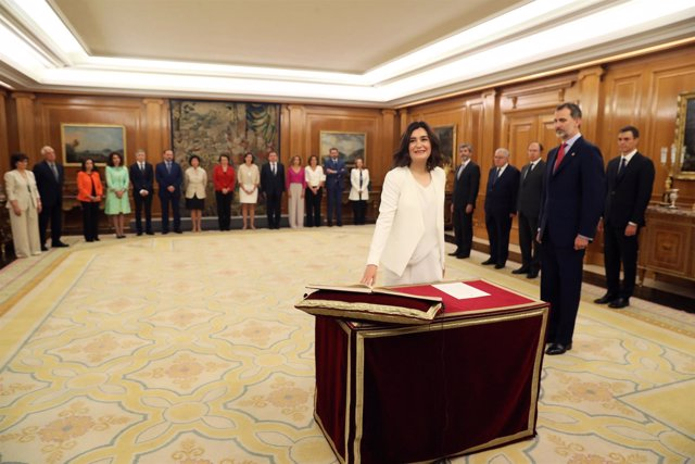 Carmen Montón promete su cargo como ministra de Sanidad