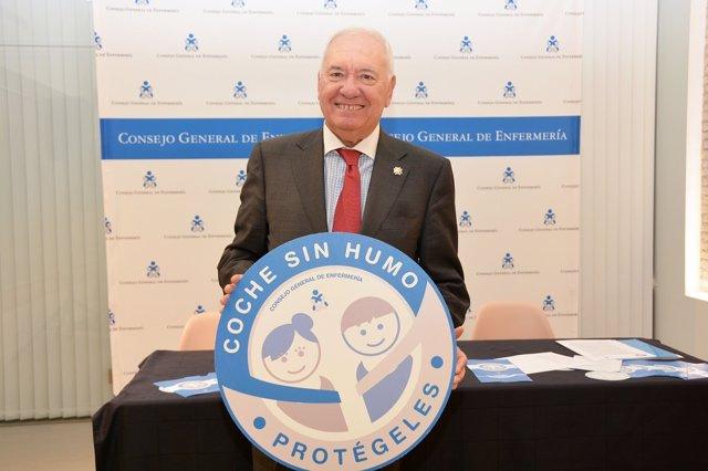 El presidente del Consejo General de Enfermería, Florentino Pérez Raya,