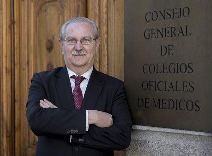 Los médicos, satisfechos con el Gobierno por devolver la universalidad al SNS, que reclamaban desde hace 6 años