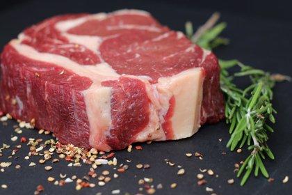 Hallan un vínculo entre un alérgeno de la carne roja y la enfermedad cardiovascular