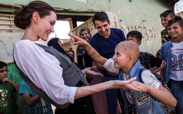 Angelina Jolie pide no olvidar la devastación de Mosul desde el lugar en el que se proclamó el Estado Islámico