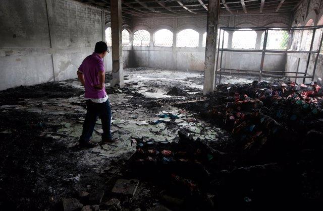 Incendio durante los disturbios en Managua