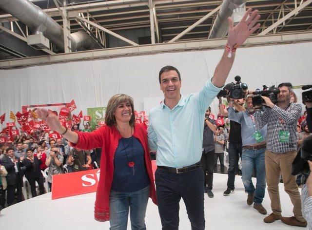Núria Marín (PSC) y Pedro Sánchez (PSOE)