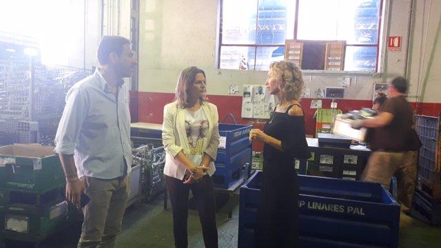 Cobo visita 'TNB Handicap Solutions' en Linares