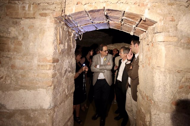 El presidente de la Generalitat, Quim Torra, en un refugio antiaéreo