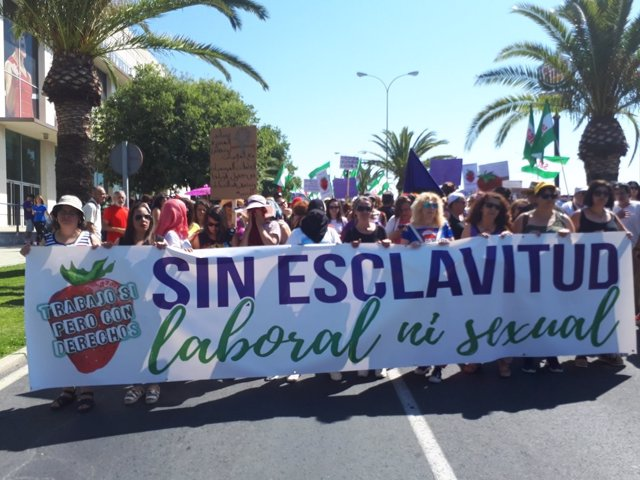 """Manifestación por la """"situación de impunidad"""" de las temporeras"""