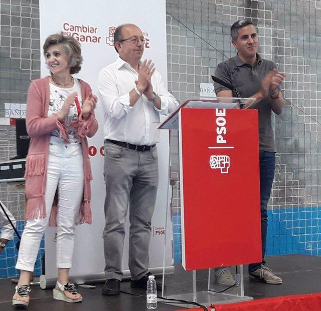 Luisa Carcedo, Pablo Zuloaga y Dionisio Luguera en la Fiesta de la Primavera