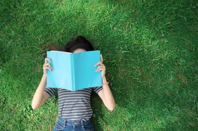 El verano es una época excelente para reencontrarse con los libros.
