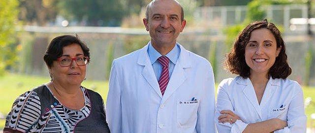 Los doctores Pilar Buil, Miguel Ángel Martínez y Estefanía Toledo.