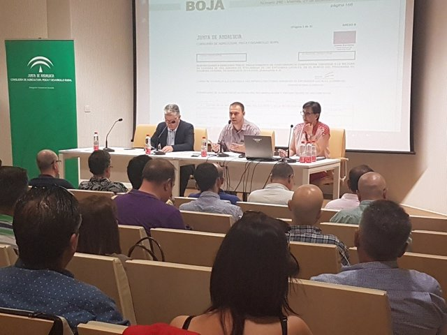 Junta y Diputación informan de las ayudas a la mejora de caminos rurales