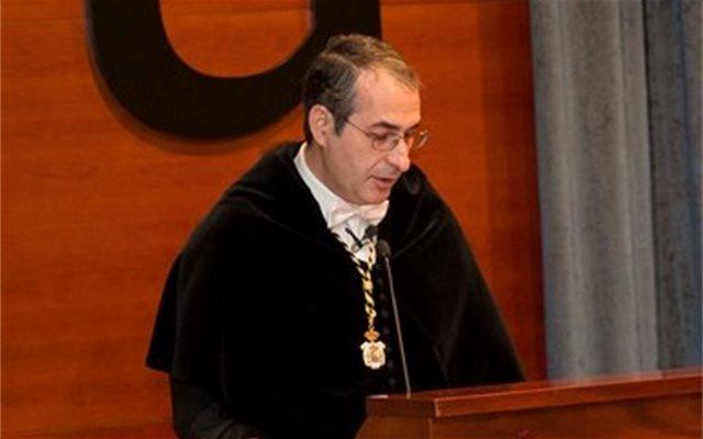 Imputado el exrector de la URJC Suárez Bilbao por las presuntas irregularidades en el máster que cursó Casado