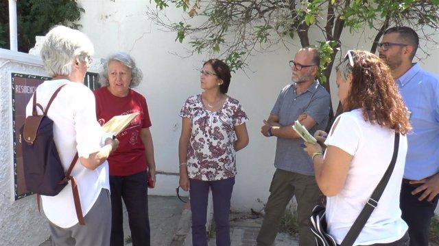 Visita de podemos málaga a residencia de mayores de el palo