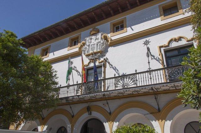 Fachada del edificio Duques del Infantado.