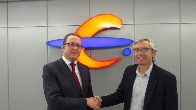 Beamonte y Jiménez, tras firmar el acuerdo entre Ibercaja y la Fundación