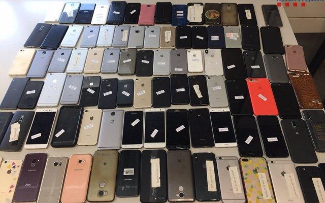 Los Mossos recuperan 102 móviles robados en el festival Sónar