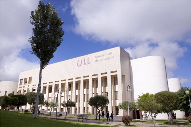 Canarias rebaja un 10% las tasas de Grado y se convierte en la segunda Comunidad con los precios más bajos