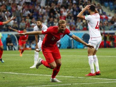 Kane salva els mobles en el descompte i Anglaterra s'estrena amb victòria en el Mundial (REUTERS / SERGIO PEREZ)