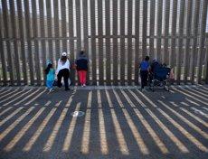 """Un agent fronterer es burla dels plors dels menors migrants a la frontera: """"Tenim una orquestra"""" (EUA) (REUTERS / MIKE BLAKE - Archivo)"""