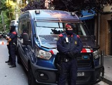 14 detinguts en una operació contra un grup juvenil anomenat 'Golden Boy' per robatoris a Barcelona (MOSSOS D'ESQUADRA)