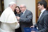 Foto: Mendoza da cuenta al Papa del proyecto internacional para la difusión de las ciencias del matrimonio y la familia