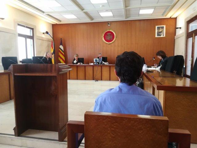 El otro acusado, durante la vista en la Audiencia