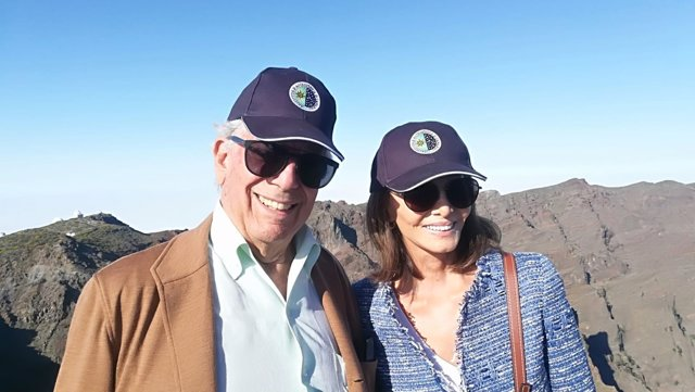 Vargas Llosa e Isabel Preysler en La Palma
