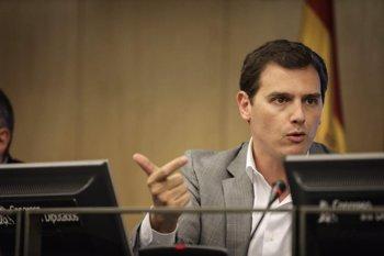 """Foto: Rivera afirma que Sánchez ha """"engañado"""" a los españoles y se ha """"atrincherado"""" en la Moncloa"""