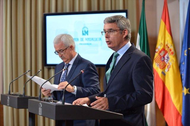 Jiménez Barrios y Blanco en la rueda de prensa posterior al Consejo de Gobierno