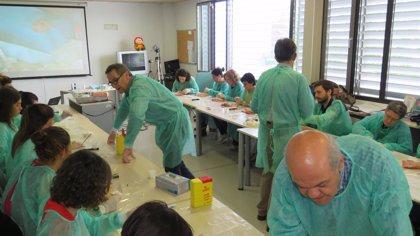 La SEMG forma en técnicas de Cirugía Menor a 25 residentes de Medicina de Familia del área de Valladolid