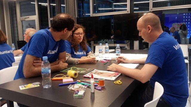 Empleados de Allianz Seguros en el maratón de voluntariado corporativo