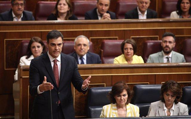 El PP ruega a Sánchez no acabar como Zapatero y el presidente les acusa de jugar de nuevo a confrontar territorios
