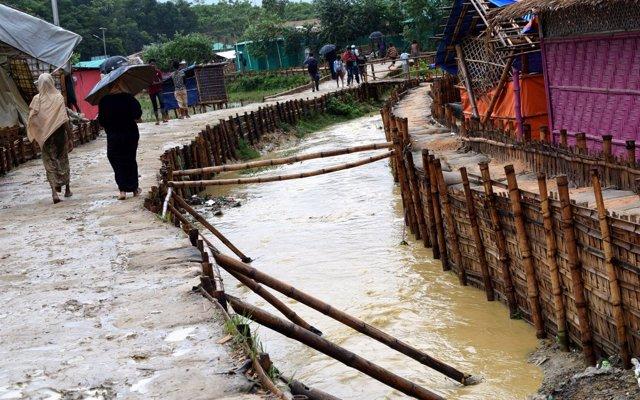 Carrera contrarreloj para proteger a los rohingyas antes de que el monzón se intensifique