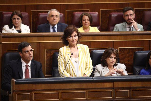 Carmen Calvo interviene en la sesión de control al Gobierno en el Congreso