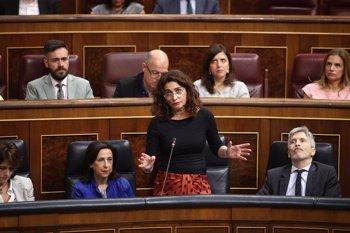 Foto: La ministra de Hacienda presume de lo rápido que dimitió Huerta y reta al PP a actuar igual ante el fraude