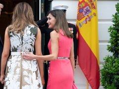 Letizia de Michael Kors y Melania Trump con unos Manolo...