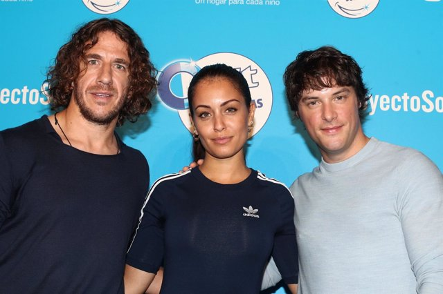 Carles Puyol, Jordi Cruz e Hiba Abouk presentan el Proyecto Sonrisas
