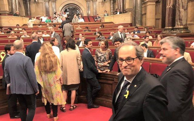 Torra, Mas y Puigdemont piden al Rey negociar y acabar 'dando la palabra' a los catalanes