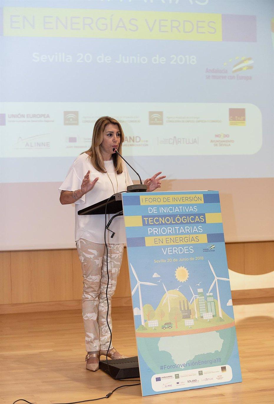 Foto: Susana Díaz: Andalucía está cinco puntos por encima de la media en consumo de energías renovables (JUNTA DE ANDALUCÍA)