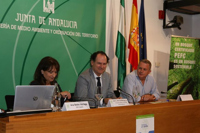 El viceconsejero de Medio Ambiente, José Luis Hernández Garijo, en el curso