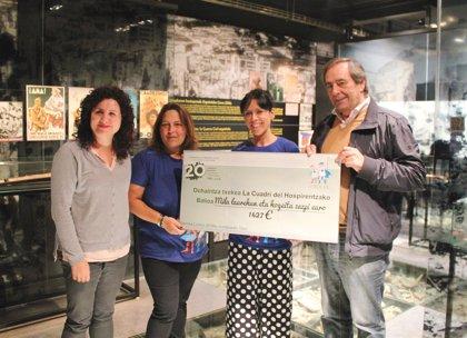 La Fundación Museo de la Paz de Gernika entrega un cheque de 1.427 euros a la Cuadri del Hospi