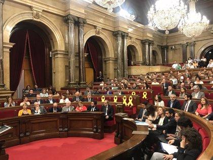 """Laura Borràs y Sonia Sierra (Cs) se enzarzan en el Parlament al tachar a la consellera de """"supremacista"""""""