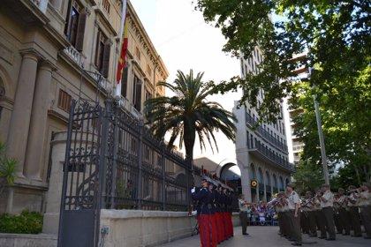 Un concierto y un izado de la bandera de España conmemoran el 125 aniversario del Palacio de Capitanía