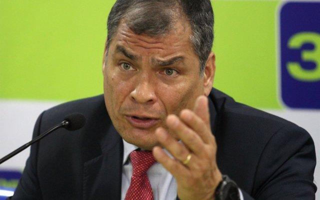 Correa permanecerá en Bélgica hasta que se den 'garantías explícitas' para su defensa legal