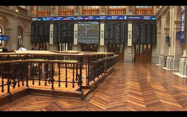 El Ibex 35 sube un 0,46% en la apertura y recupera los 9.800 enteros